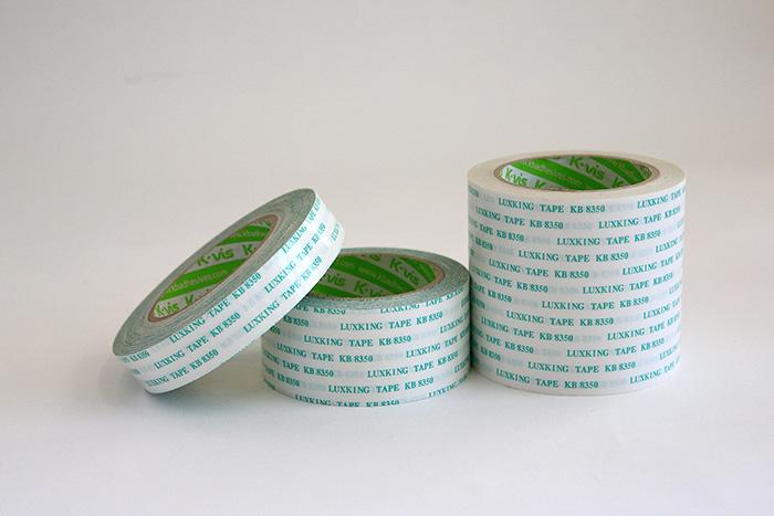 양면: 폴리에스터를 기재로 한 양면 테이프.